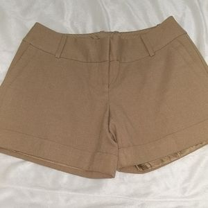 The Limited Drew fit camel colored shorts size 2